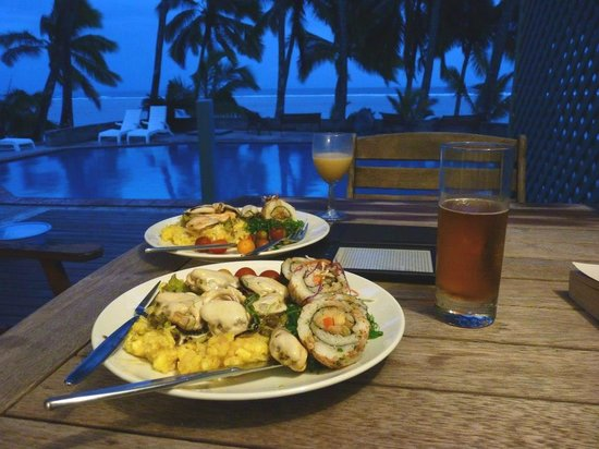 Sunhaven Beach Bungalows: Home cooking Raro style