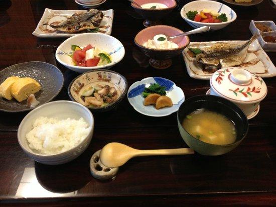 Kadoya Ryokan: Breakfast