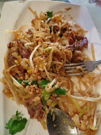 Marnee Thai : beef pad thai