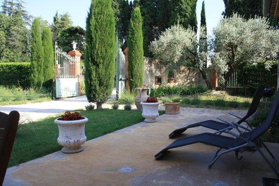 Amour Provence: terrasse du gîte