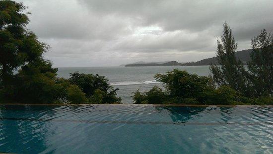 Aquamarine Resort & Villa: Nice pool view