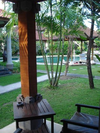 Sukun Bali Cottages: View from room patio