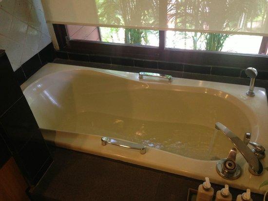 Chaweng Regent Beach Resort: ずっとホテルにいる訳ではなかったので十分