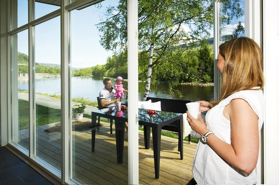 Hallingdal Feriepark: View from riverside cabin (photo: T. Bjørnsen)