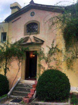 Residenza Strozzi: Chapel entrance