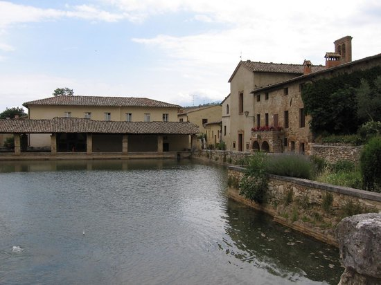 Bagno vignoni picture of val d 39 orcia tuscany tripadvisor - Bagno vignoni tripadvisor ...