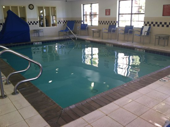 TownePlace Suites Sacramento Roseville: Indoor pool