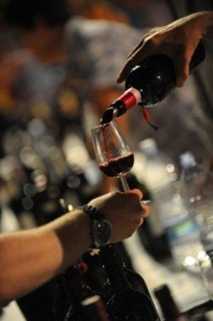 Abbadia San Salvatore, Italien: Da noi è possibile degustare un buon bicchiere di vino