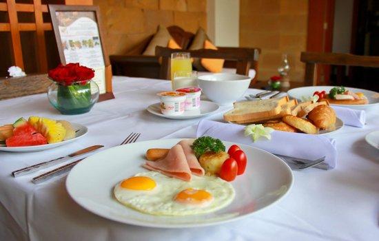 Malisa Villa Suites: Breakfast