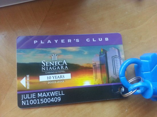Seneca Niagara Resort & Casino: slot machine account is set up on a card