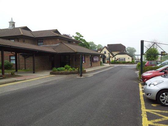 Premier Inn Dover (A20) Hotel: Plenty of parking, mostly under CCTV.