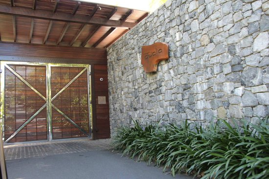 Qualia Resort: Grand entrance into the resort