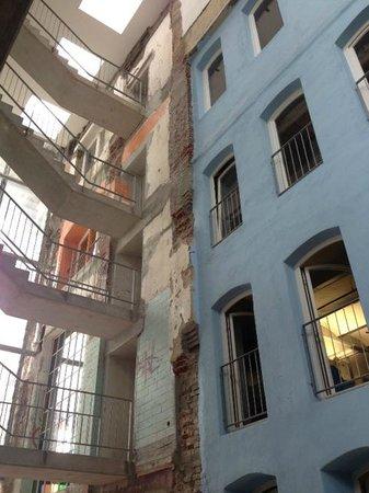 Factory Hotel: Lichthof