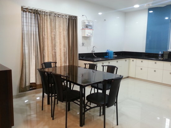 House Khas Suites : Dining area