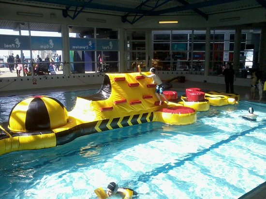 Lahinch Seaworld and Leisure Centre : Lahinch Seaworld - THE ELIMINATOR - More fun than you can poke a stick at!