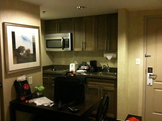 Homewood Suites by Hilton Toronto-Markham: kitchen corner