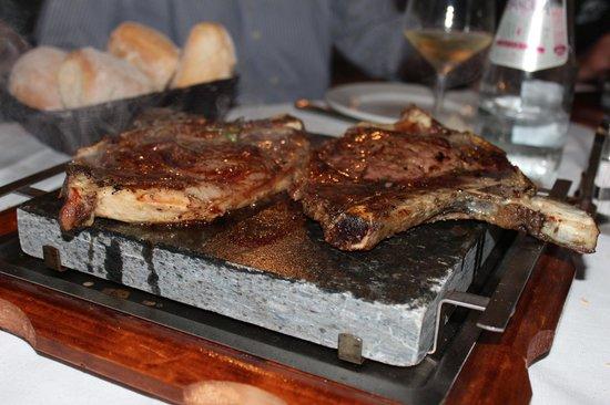 Hotel Cascina Canova: carne alla piastra