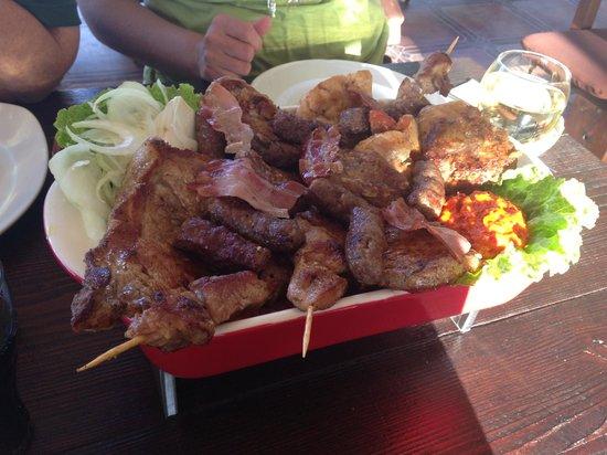 "Pizzeria ""Oh la la"" : Last day meal - Mixed Meats"