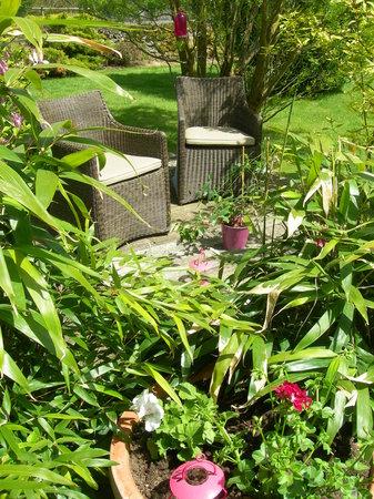 Repos au jardin picture of les fermes du chateau saint for Au jardin st michel pontorson