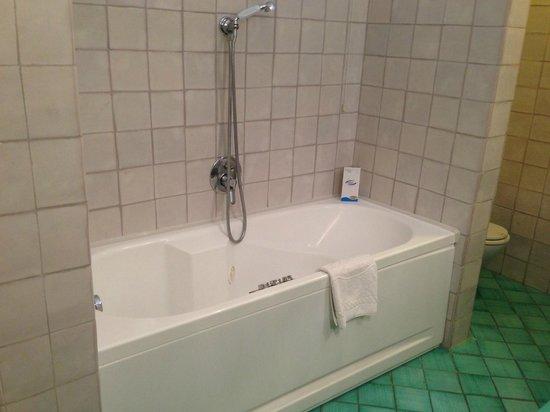 Covo Dei Saraceni: Bathroom