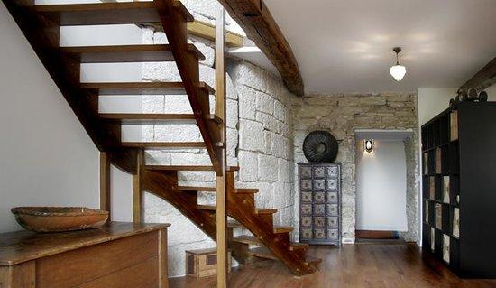 Cote-Serein - Chambres de la Tour Cachee : tour cachée à l'intérieur de la maison