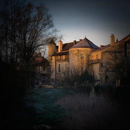 Cote-Serein - Chambres de la Tour Cachee : vue extérieure