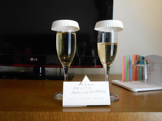Hotel Plaza : Prosecco..avevamo già fatto fuori gli appetizer!!!