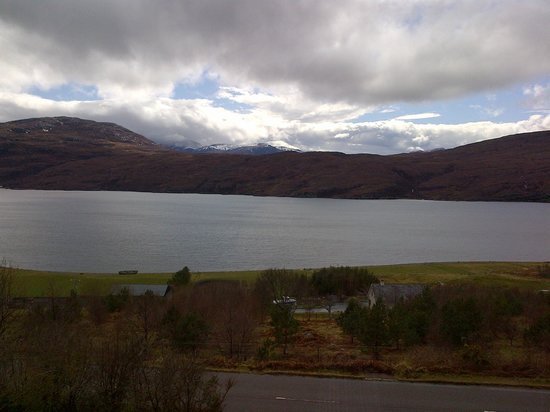 Ardlair Ullapool Bed & Breakfast: View over Loch Broom from our window on a rainy day