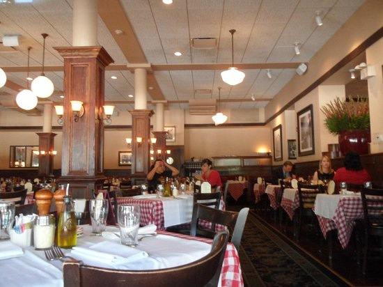 Maggiano's Little Italy: Little Italy