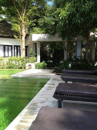 Punnpreeda Beach Resort: Nice gardens
