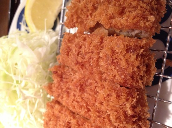 Tonkatsu Maisen Daimarutokyoten: Tender, crispy pork cutlet. Perfectly deep fried!