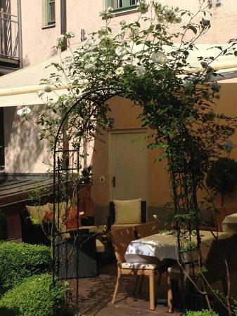 Maximilian Munich Apartments & Hotel: dining area