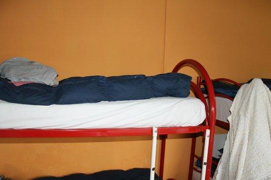 Hostel California: Shaky bulk beds