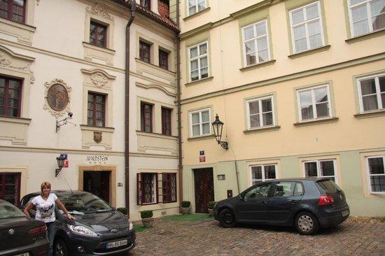 Hotel Waldstein: Hotel entrance