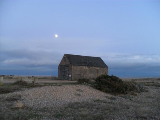 Winchelsea Beach: Mary Stanford Lighthouse at dusk