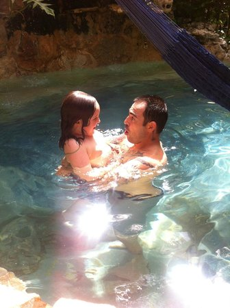 La Selva Mariposa: fun in the pool