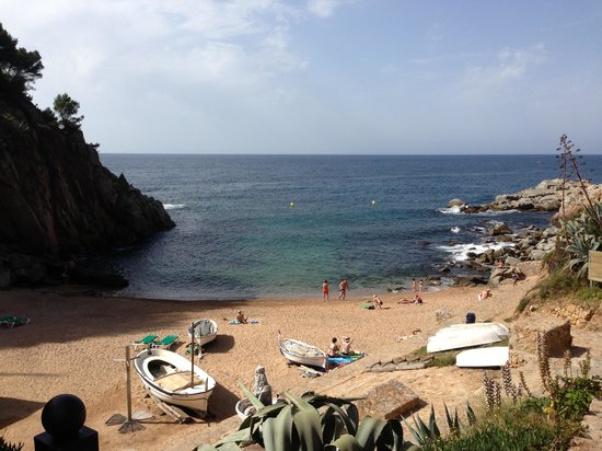 Hotel Marina Tossa: Tossa's smallest beach