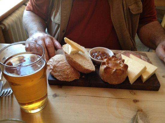 The Star & Garter: Man food - the excellent ploughmans with a pint of pull. Hubby heaven!