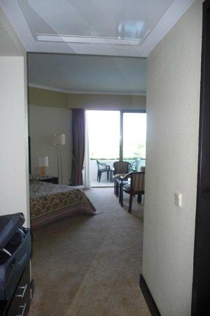 Maritim Hotel Saray Regency : Spacious room