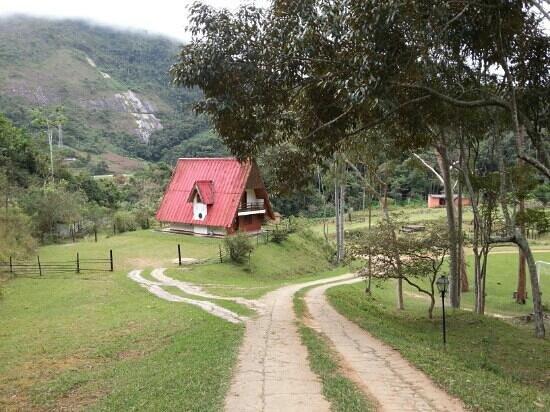 Hotel Fazenda Vitoria Garden: Chalé para grupos que fica próximo à área de lazer,  porém afastado da sede.