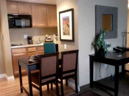 Homewood Suites by Hilton Salt Lake City - Downtown: Room/dining