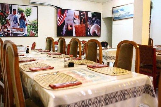 Tomlu's Restaurant: The restaurant