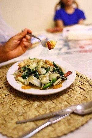 Tomlu's Restaurant: Yum
