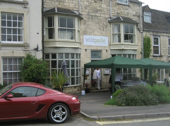 Wild Garlic Restaurant & Rooms: The front of the hotel