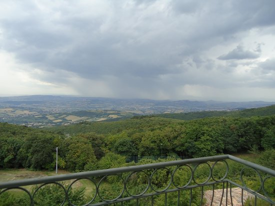 Hotel Monteconero: Breathtaking view at breakfast