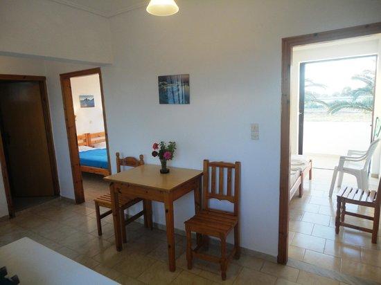 Anthia Apartments : apartment for 4