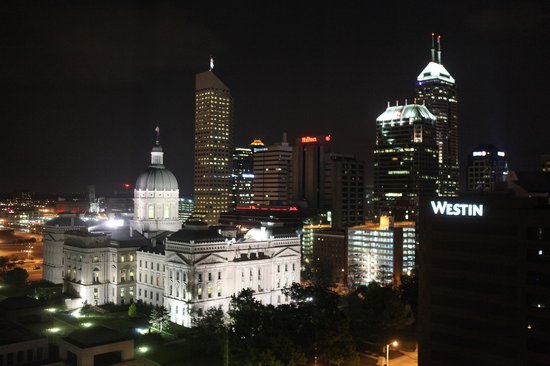 Indianapolis Marriott Downtown: View from room at night