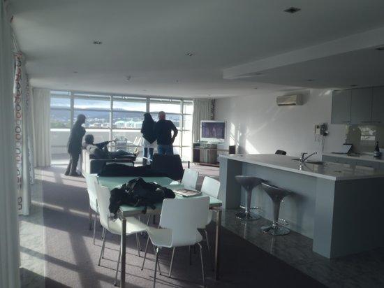 Zero Davey Boutique Apartment Hotel: Living area