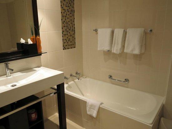 The York by Swiss-Belhotel: Bath