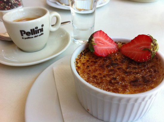 Don Vito: Absolutely delicious creme-blulee! Must try!